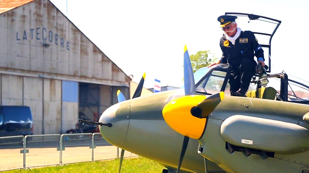 Meeting aérien de La Ferté Alais – De Havilland Mosquito avec Jack Krine